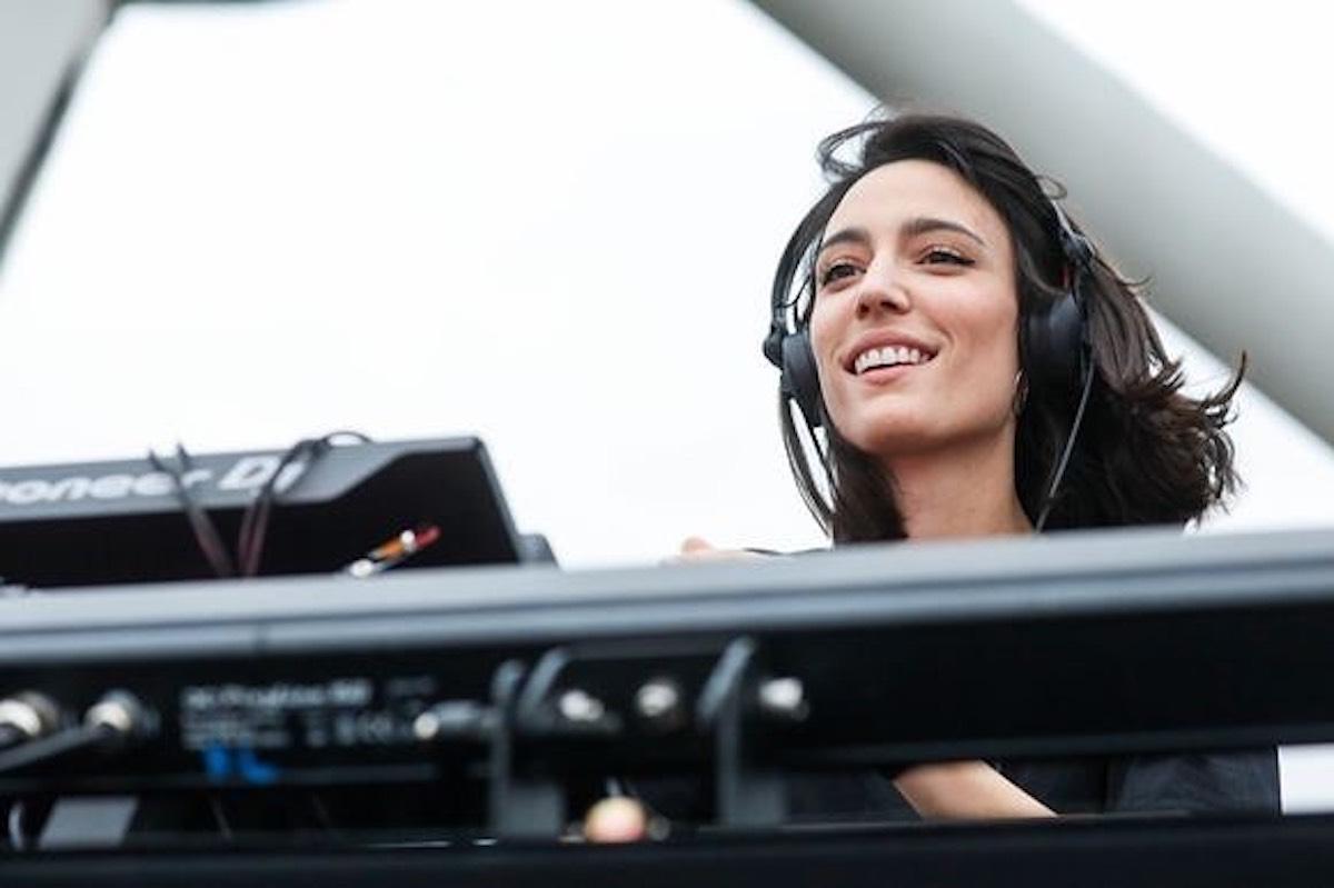 Amelie Lens : 9 choses qui rendent la DJ belge irrésistible
