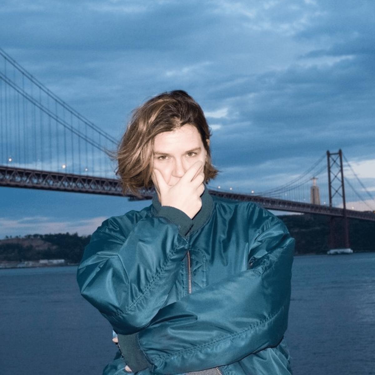 Productrice, DJ et boss du label Naive, Violet incarne la scène underground et Techno de Lisbonne au Portugal