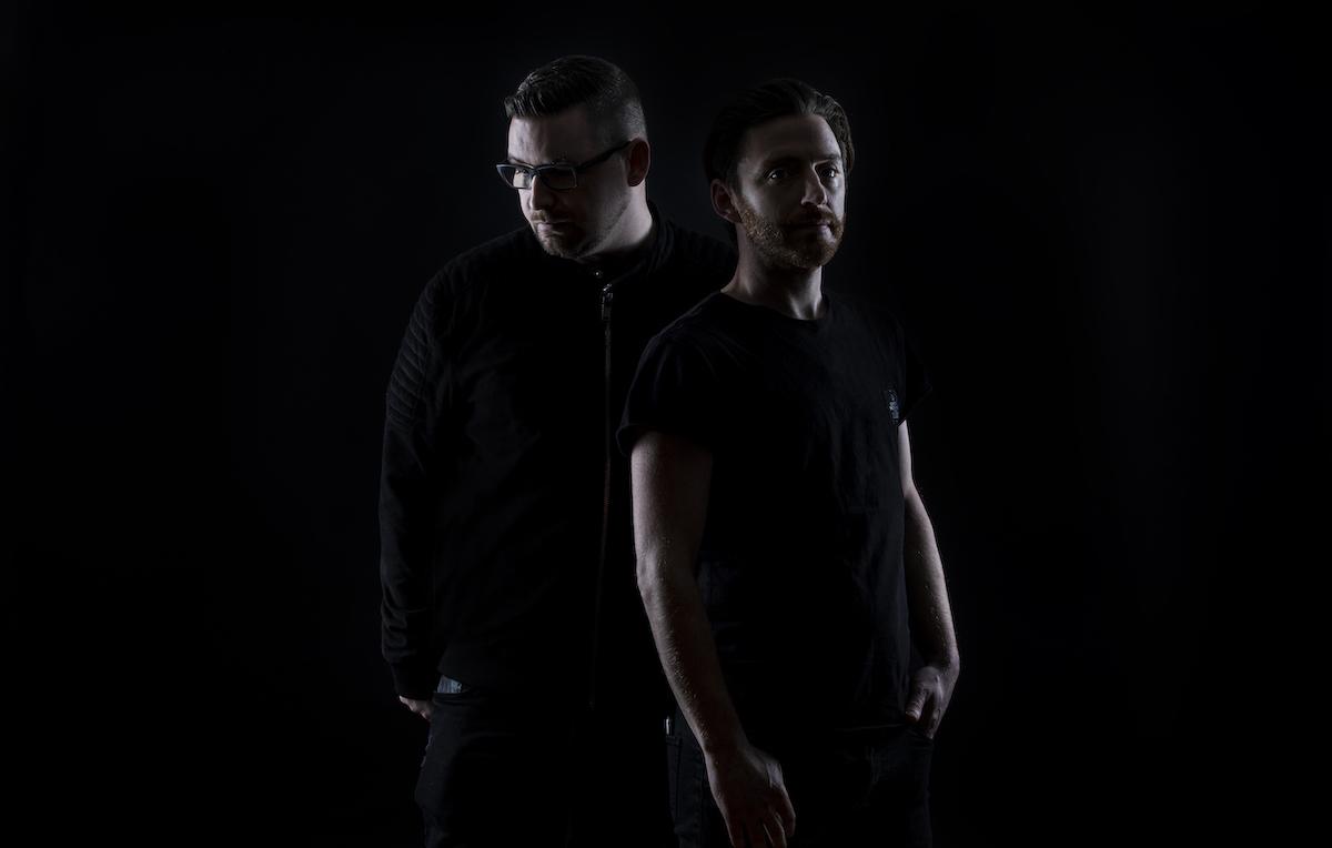 Loco & Jam remixe Koi de Ron Costa sur There Is A Light